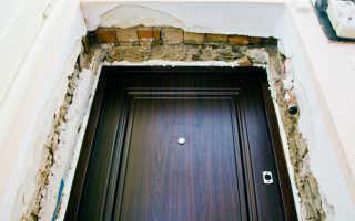Как заштукатурить дверной проем после установки двери?