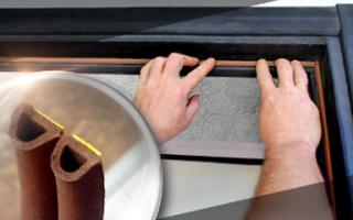 Как приклеить резиновый уплотнитель к металлической двери?