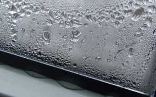 Почему скапливается конденсат на пластиковых окнах?