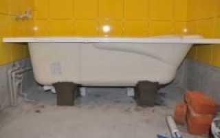 Как закрепить стальную ванну своими силами