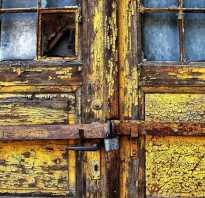 Чем убрать скотч с металлической двери?