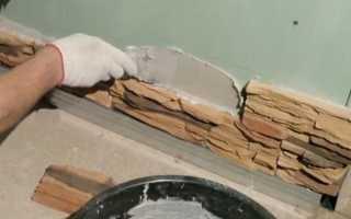 Чем приклеить гипсовый камень к стене?