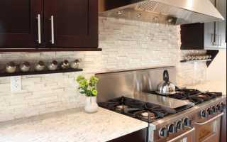 Как закрепить кухонную панель на стене?