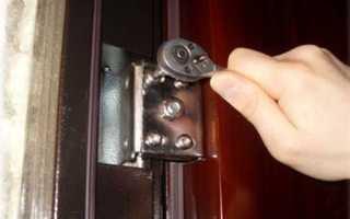 Как приварить петли к железной двери?